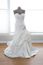 Maggie Sottero Micah Sample Wedding Dress (Size 6)