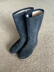 Authentic UGG Australia Boots Womens 5 Black Zip Up