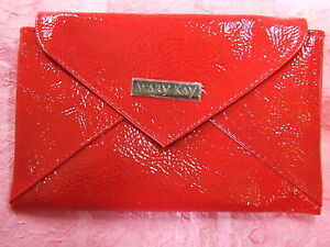 Mary Kay METRO CHIC Red Vinyl CLUTCH Purse New In Package Envelope Flap