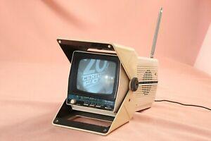Vintage 1985 Quasar Mode XP1478H FM AM B&W TV Pacman Handle
