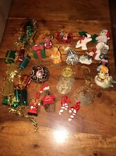 Vintage Assorted Christmas Ornaments/Garland Lot Of 22 (CT)
