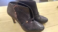 CLARKS BRONZE CROCODILE ANKLE  BOOTS. SHOE BOOTS. SIZE 6