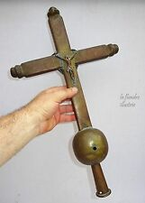 flandre - ancienne grande croix de procession en laiton - religion