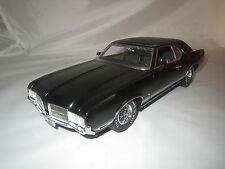 "Lane ExactDetail Replicas"" 71 Oldsmobile Cutlass Supreme SX NERO 1:18 OVP"