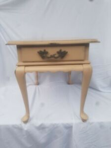 Distressed Painted ETHAN ALLEN GEORGIAN COURT QUEEN ANNE END TABLE Shabby Chic