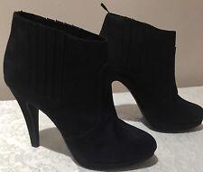 LADIES H & M BLACK BOOTS - SIZE 39