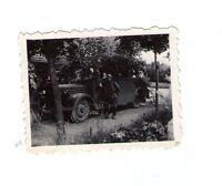 Foto  Soldat und Transporter  2 WK