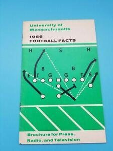 UMASS MASSACHUSETTS MINUTEMEN - COLLEGE FOOTBALL  MEDIA GUIDE - 1966