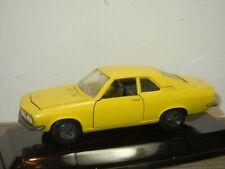 Opel Manta Coupe - Auto Pilen 1:43 in Box *37406