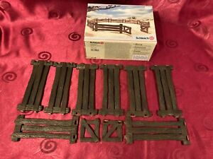 Schleich 42006 Wildlife fence set, good condition with box