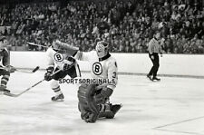 JIM PETTIE - BOSTON BRUINS- Original 35mm b&w Negative