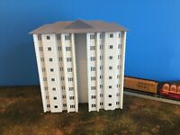 Trackside APARTMENTS or OFFICES City Building N Scale 1:160 No Assembly Required