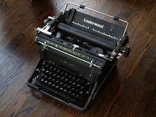 collectable UNDERWOOD TYPEWRITER of WWII Pearl Harbor era