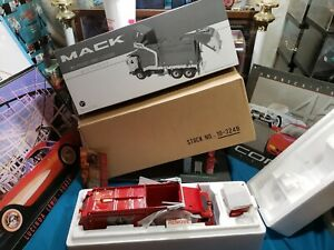 """First Gear 1/34 Scale MACK GARBAGE TRUCK """"COMPASS WASTE """" VERY RARE HARD TO FIND"""