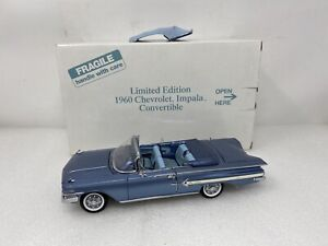 1/24 Danbury Mint Limited 1960 Chevrolet Impala Convertible in Blue Read Me