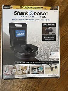 Shark RV1000S IQ Robot Vacuum Cleaner with Self-Empty Base - Black