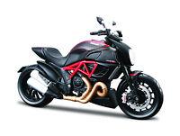 Ducati Diavel Carbono Rojo Negro Escala 1:12 Moto Modelo de Maisto