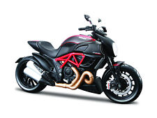 Ducati Diavel Carbon Black Red scale 1:12 Motorcycle Model From Maisto