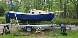 1982 Clearwater Catboat 17' Sailboat & Trailer - New Hampshire