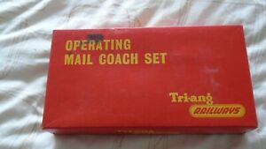 Triang OO gauge R402 Operating Royal Mail Coach set boxed WITH MAIL BAGS