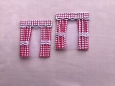 "2 red  gingham  dolls house curtains 3.5"" x 4"""