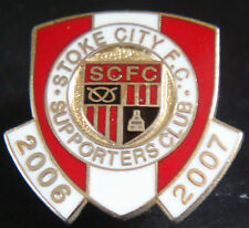 STOKE CITY FC 2006-2007 SUPPORTERS CLUB Badge Brooch pin In gilt 21mm x 20mm
