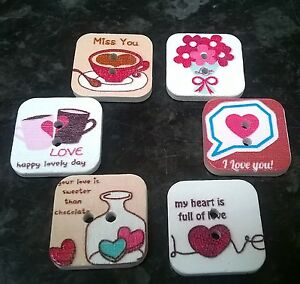 10/20/50 Mixed Wooden Square Love Hearts Valentine Message Buttons 20mm 2 holes