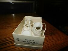 Mrs. Days's Vintage Baby Shoes w/ Original Box Size 2 Leather Vintage