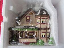 Dept 56 Thomas T. Julian House - New England Village - 56570 Nib (1117L)
