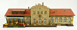 KIBRI HO SCALE ASSEMBLED BUILDING FROM KIT