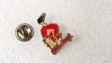 PIN'S  MOULIN ROUGE