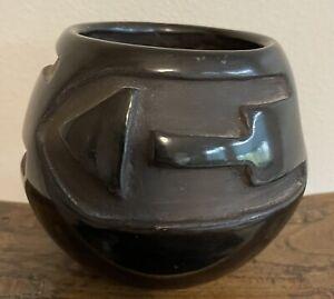 Fine Vintage Santa Clara Pueblo Deep Carved Black On Black Pot Original Tag