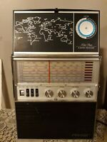 Vintage Aircastle Solid State 8 Band Radio