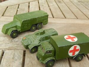 3 DINKY TOYS MILITARY VEHICLES .NUMBERS 626. 676..677