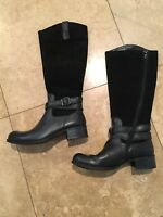 Born BOC Black Leather & Suede Boots W/Buckles Size 6 Beautiful!!