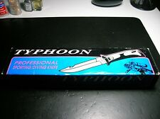 New old stock United Cutlery UC672 Typhoon Sport Diving Knife & Scabbard