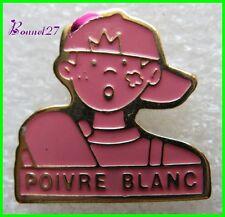 Pin's Poivre Blanc Garçon Skate couelur rose #A2