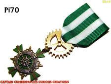 Steampunk badge brooch green pin drape Medal pirate compass Black Sails #MPi70