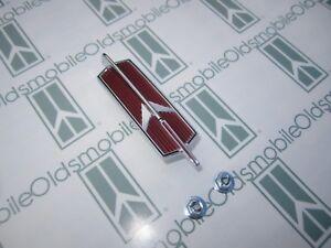 1966-1967 Olds Cutlass & 442 Trunk Rocket Emblem with Hardware | Deck Lid Emblem