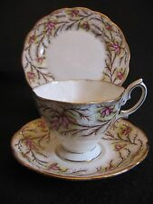 VINTAGE ROYAL ALBERT 'HEATHER BELL-PINK'  #2687 CUP/SAUCER/PLATE TRIO 1940's EX