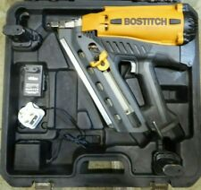 Bostitch Nail Gun & 2 Batteries & Charger & Carry case