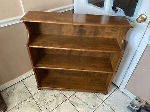 One Very Nice Solid Ethan Allen Heirloom Bookshelf Maple
