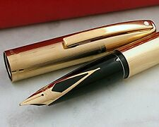 Made in USA Sheaffer triumph imperial 23KT Gold Fine Fountain Pen and Desk Clock