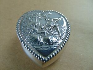 PRETTY VICTORIAN STERLING SILVER HEART SHAPED PILL/ RING BOX  1899