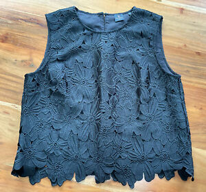 David Lawrence black top with textured floral pattern -  size 14