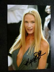 KELLY LYNCH Authentic Hand Signed Autograph 4X6 Photo SEXY ACTRESS - ROAD HOUSE