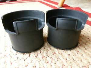 02 03 04 05 Saturn Vue CENTER CONSOLE CUP HOLDER INSERTS rubber liner 22687730 A