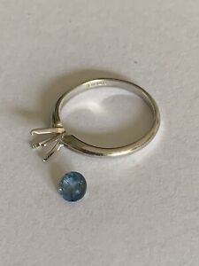 Stamped F1 14k ring approx size 5 1/2 With Loose Gemstone Needs To Be Set