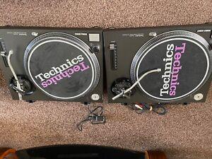 2 Technics SL-1210MK2 Turntable - Black