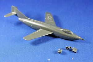 Plasticville - O-O27 #45986 - Jet Plane (1) - NEVER Assembled (Missing 1 wheel)